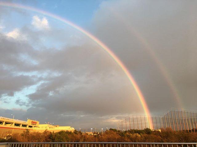 W rainbow..きっと明日は、いい天気〜〜\(^o^)/...#明日#内覧会#いよいよ#皆様#お待たせしました #お待ちしています#体づくり心づくり#0歳からのヨガ#姿勢改善 #ゼロポジション#あいことばはキラリ#合言葉#ピンクのハート#ピンクのハートプロジェクト#0歳児#1歳児#2歳児#保育室#舞多聞#舞多聞100