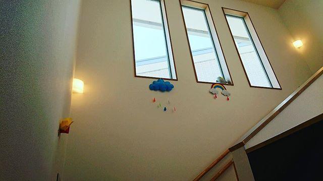 階段︎..#皆様#お待たせしました #ようこそ#舞多聞もりの保育園#体づくり心づくり#0歳からのヨガ#姿勢改善 #ゼロポジション#助産師#看護師#保健師#保育#キラリ#あいことばはキラリ#合言葉#ピンクのハート#ピンクのハートプロジェクト#0ヨガまんまるだっこピンクのハートプロジェクト#保育業界#奇跡の融合#0歳児#1歳児#2歳児#保育室#舞多聞#舞多聞100#ありがとうございます
