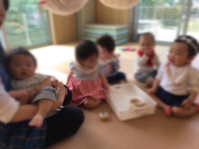 ハイチーズ♡︎('ω'︎ )#みんなそろったよ#0歳児#舞多聞もりの保育園#もりの保育園#ピンクのハートプロジェクト#0歳からのyoga#まんまるねんね