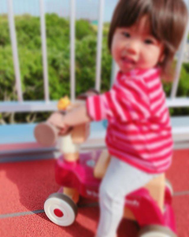 嬉しいね ハイチーズ♡︎('ω'︎ )#自転車乗れたよ#1歳児#舞多聞もりの保育園#もりの保育園#ピンクのハートプロジェクト#0歳からのyoga#まんまるねんね