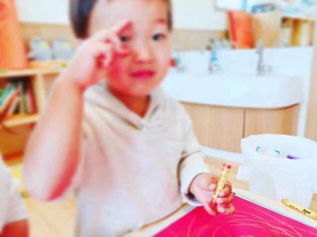Tくんちょりーす( ︎'ω')︎#ピースできたよ#2歳児#舞多聞もりの保育園#もりの保育園#ピンクのハートプロジェクト#0歳からのyoga#まんまるねんね