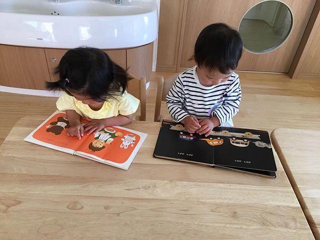 ハイチーズ♡︎('ω'︎ )#絵本#1歳児#舞多聞もりの保育園#もりの保育園#ピンクのハートプロジェクト#0歳からのyoga#まんまるねんね