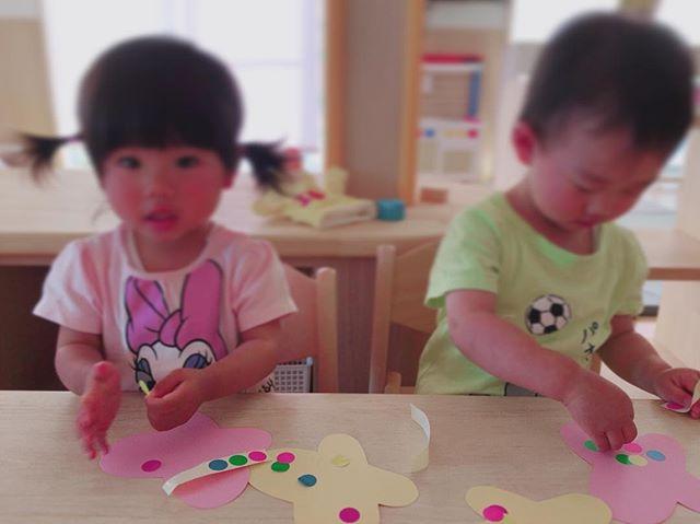 ハイチーズ♡︎('ω'︎ )#お製作#1歳児#舞多聞もりの保育園#もりの保育園#ピンクのハートプロジェクト#0歳からのyoga#まんまるねんね